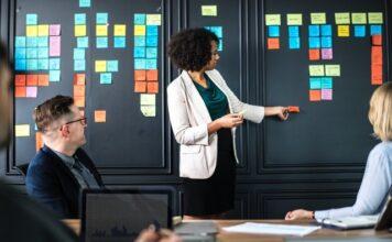 Er du en leder som drømmer om at få skabt en god arbejdsplads med dygtige ansatte i udvikling? Så læs med her